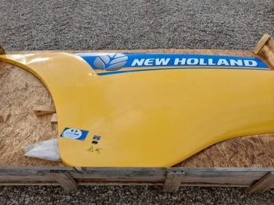 1 X LOT OF NEW HOLLAND SIDE PANELS TO SUIT NEW HOLLAND CR10.90 COMBINE (K) (NO RESERVE)