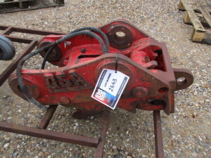 QSA HYDRAULIC QUICK HITCH 65MM PIN DIAMETER - SPARES OR REPAIRS (NO RESERVE)